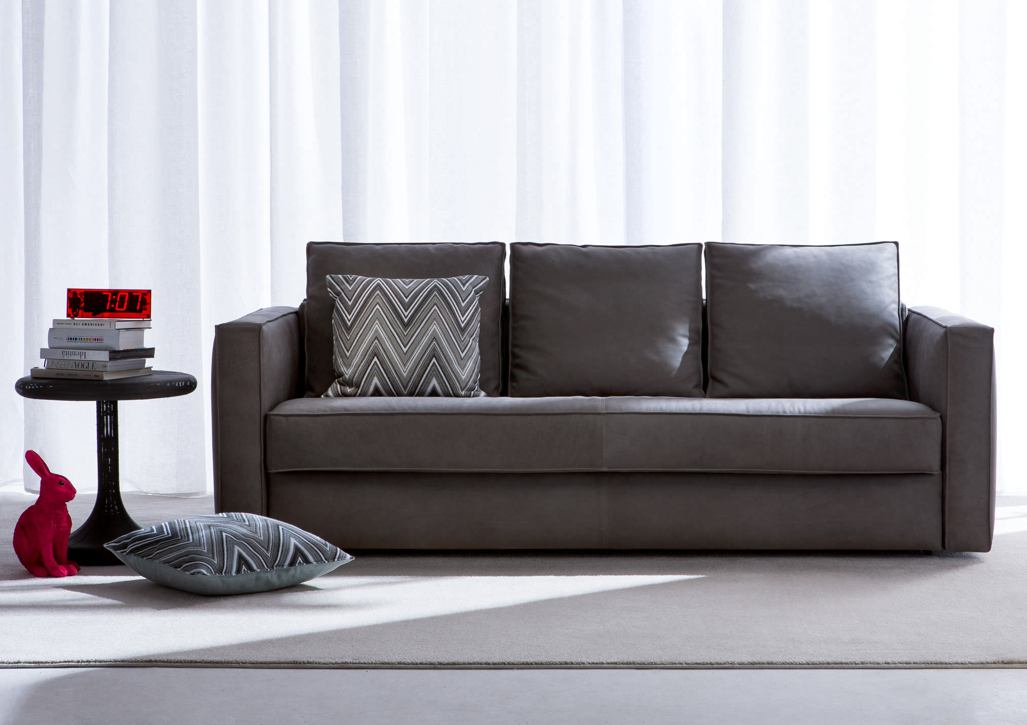 Seat cleaning sofa set cleaning services in nairobi for Sofa divano
